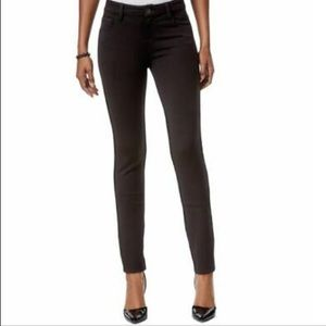 Kut from the Kloth MIA Toothpick Skinny in Black